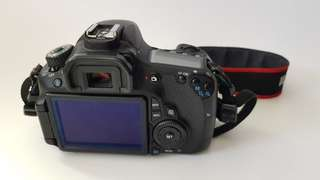 🚚 Canon 60d new 90% body
