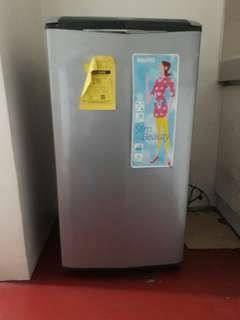 Sanyo slim beauty (single door fridge) + free water hand press pump and drinking glasses