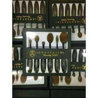 Paddle brush set