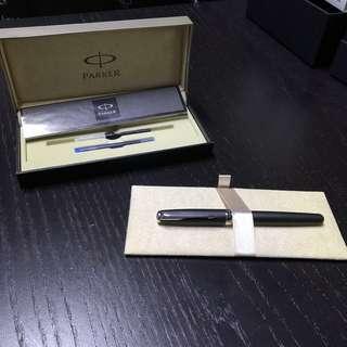 Parker Sonnet Fountain Pen - Chrome Trim - Matte Black - Medium Nib