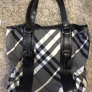 Sales  Authentic burberry Tote bag