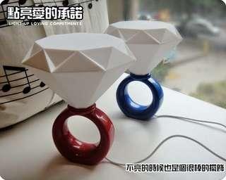 🚚 鑽石戒指造型燈