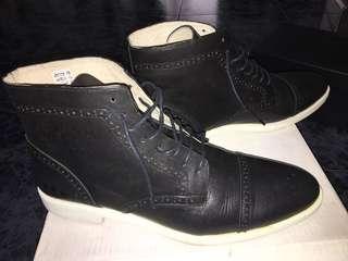 Semi high boots, black / white Base