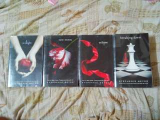 TWILIGHT SERIES SET BY STEPHENIE MEYER