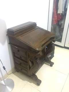 Jual Meja Antik / Meja Kayu Unik Banyak Tempat Penyimpanan