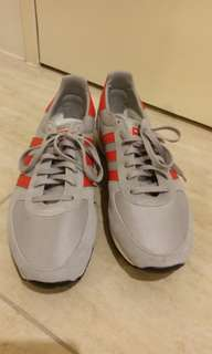 Adidas Racer Low. Brand new.