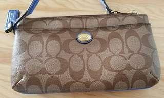 Coach clutch wallet 銀包 藍色 classic 經典 pvc strap wristlet coinbag