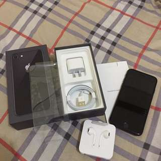Iphone 8 64gb FU 6days old complete