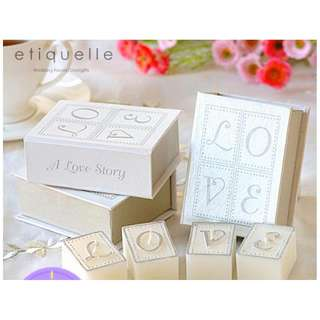 ED18032 BOOK OF LOVE CANDLE SET