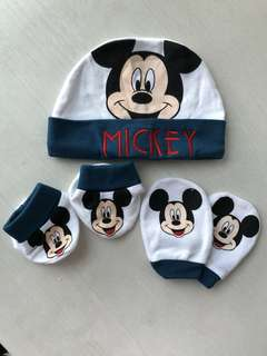 BN Mickey Mouse baby mitten and booties set