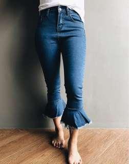 HW Crop Flared Jeans
