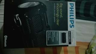 Phillipps SHOQBOX wireless portable speaker