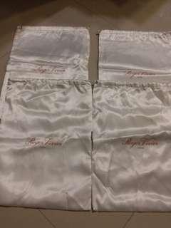 100 % real & new Roger Vivier shoe dust bag 鞋塵袋