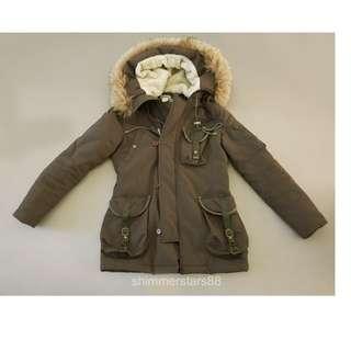 Khaki fur hood light puffy coat from Japan
