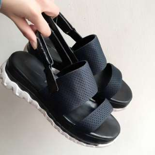 Zara涼鞋 23.5/37