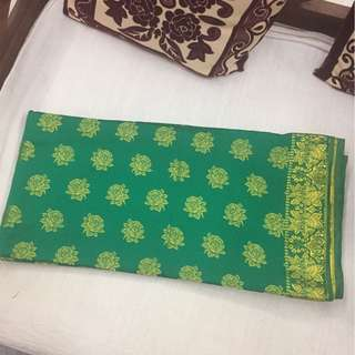 (BN) Promotion for this week-Double Colour Leafy Green Material 4 metres with Gold Roses design for Stitching