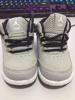 Jordan Flight Grey 5c
