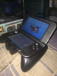 Monster Hunter New 3DS XL grip Hori brand swap
