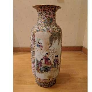 乾隆年制花瓶Antique vase