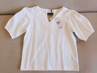 GU/UNIQLO購入正品:白色V領公主蓬袖後綁帶五分袖上衣T