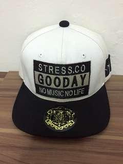 🚚 潮流品牌 STRESS.CO 棒球帽 調整帶為皮質 黑白潮流款