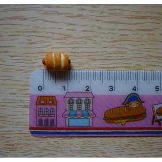 Dollhouse Miniature Bread With Hot Dog Set Of (5pcs)