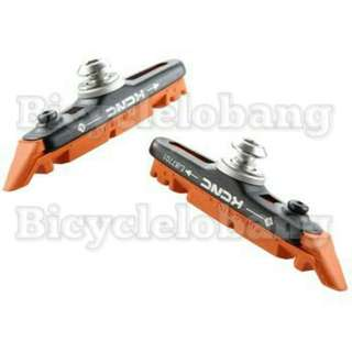 KCNC Brake Shoes with red standard brake pads