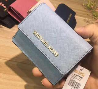 Michael kors jet set card case Id