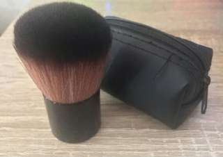 Brush blush on