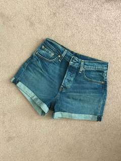 Levi's Wedgie Shorts, New w/o tags, Size 26