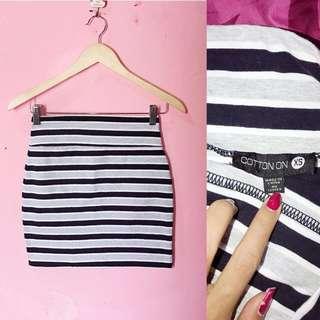 Skirt stripe, strect, pas body kalau dipakek