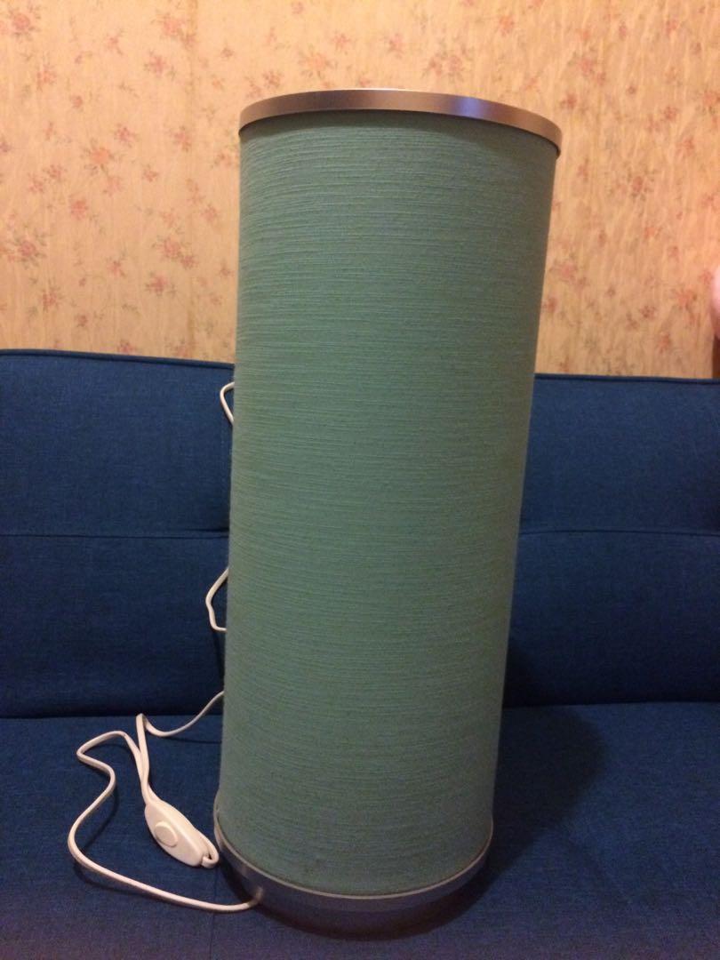 水藍色圓柱藝術燈