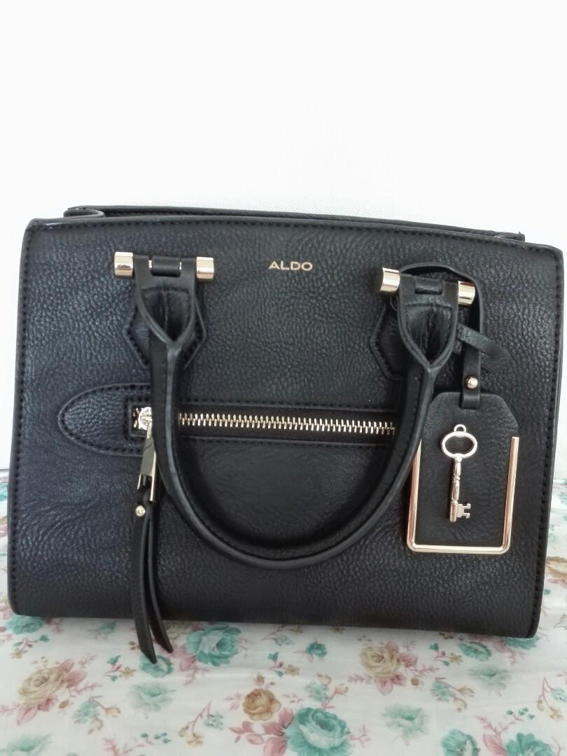 65602cec2d9 Authentic Aldo Handbag Sling😊