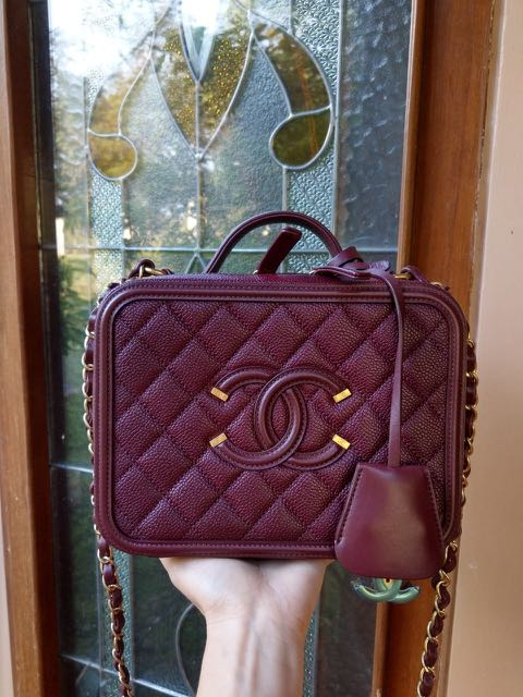 b7282c385c14 Chanel Vanity Case Burgundy