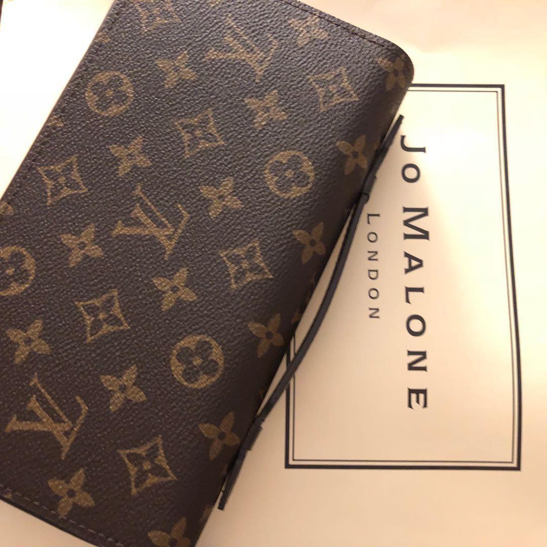ce301a58905 Mens Louis Vuitton wallet mens wallet gucci wallet coach wallet kate spade  wallet iphone apple airpods samsung herschel wallet mens wallet