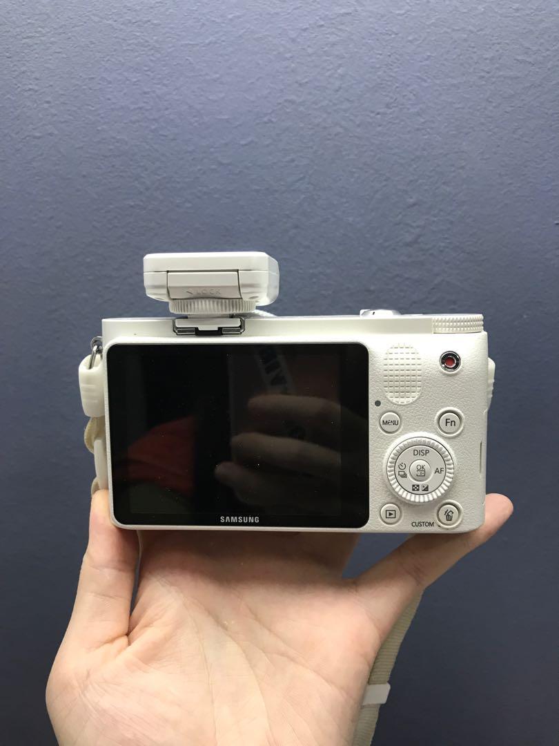 Samsung NX1000, Photography, Cameras, DSLR on Carousell