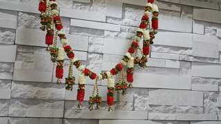 White and Red Floral door Hanging Toran