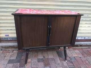 舊電視機箱