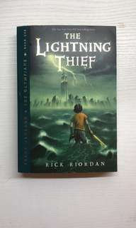 Novel Bahasa Inggris Percy Jackson Lightning Thief Rick Riordan