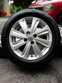 Original toyota vios sports rim 15 inch tyre 70%. *dibawah harga pasaran semasa*