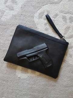 Gun clutch