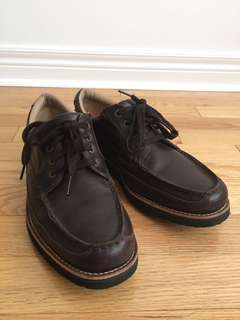 ROCKPORT BROWN SHOES - SIZE 10.5 US