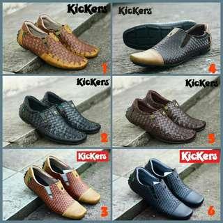 Sepatu pria slip on kickers murah
