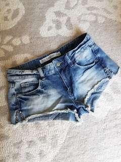 Zara denim shorts. Size 2