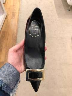 Roger Vivier mid Heel pumps in black