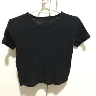 Black ribbed cropped top