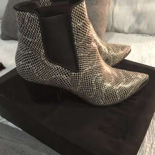 Mimco winter boots / size 8