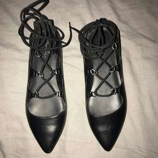 BLACK FAUX LEATHER LACE UP FLATS SIZE 8