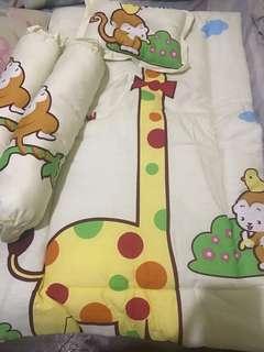 Comforter and Pillows Set