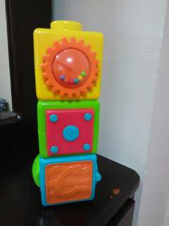 Box stacker toy